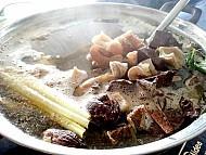 Gan Dạ Nếm Thử Món Lá Ngón Xào, Rêu Nấu Canh Ở Tây Bắc