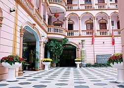Khách Sạn Tháp Vàng