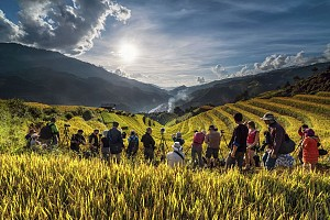 Đổ bộ lên Mù Cang Chải ngắm cảnh đẹp lúa chín cùng với những vật dụng cần thiết