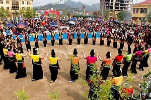 Lễ Hội Hoa Ban Của Người Thái Ở Tây Bắc