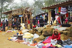 Nét đẹp ngày Tết trong phiên chợ Xuân Sin Suối Hồ